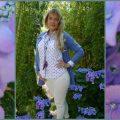Bluse und Kaschmirjacke von Mona
