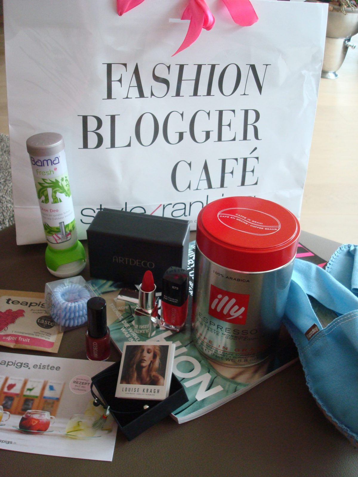 FASHION BLOGGER CAFÉ