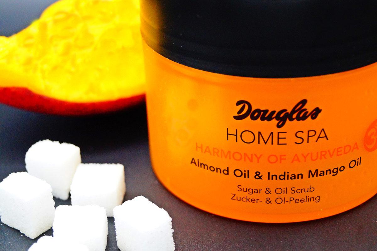 Körperpeeling mit Zucker und Öl