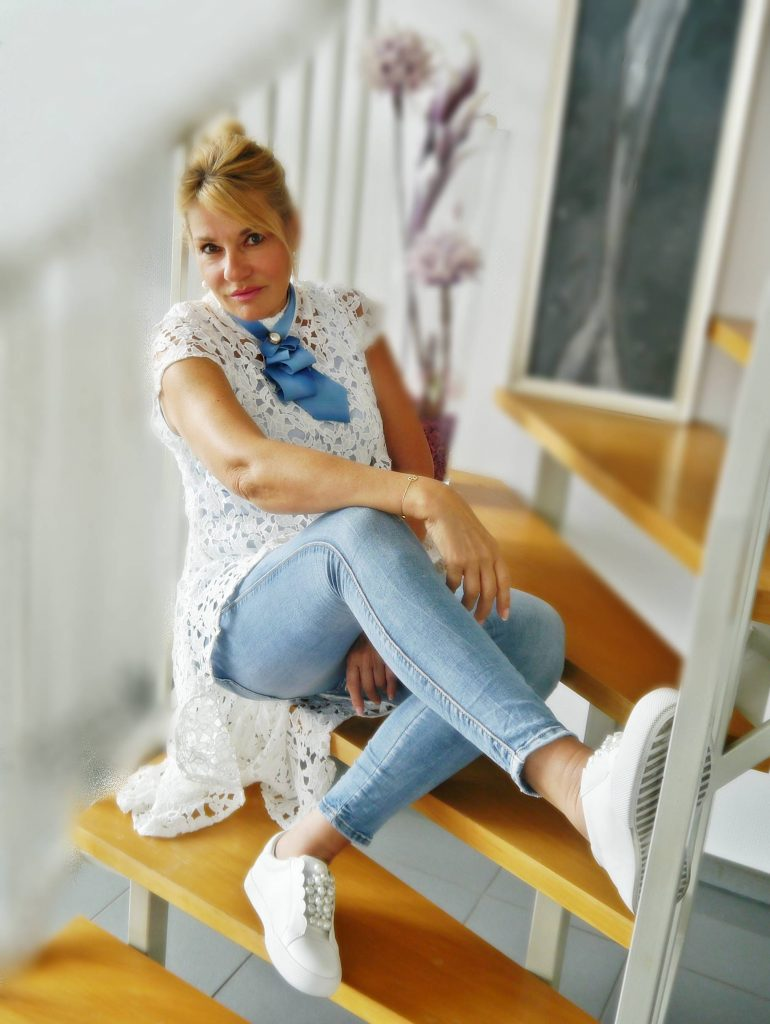 Fashion Trends 2018 Spitze, asymmetrische, transparente Kleidung,